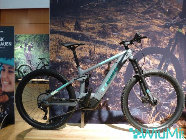 2019 Specialized Men's Turbo Levo Comp Carbon - 3/4