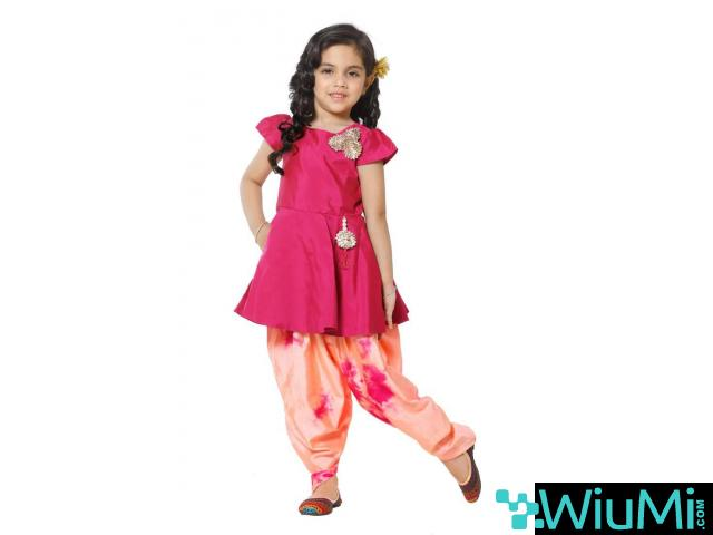 Best Offers On Ethnic Wear for Girls Available at Mirraw - 1/2