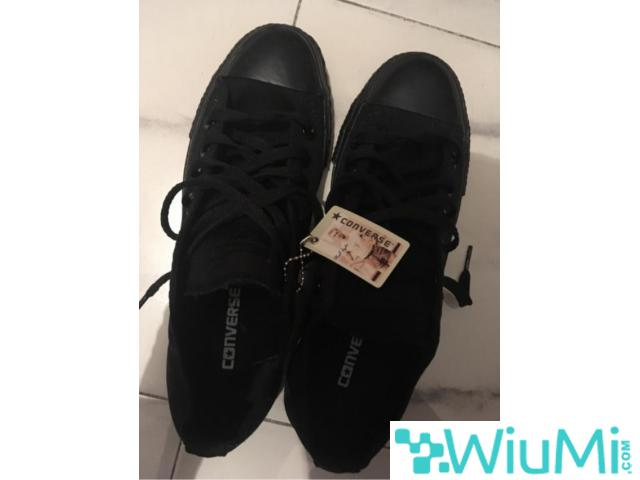 All Black Converse Low's Original - 3/3