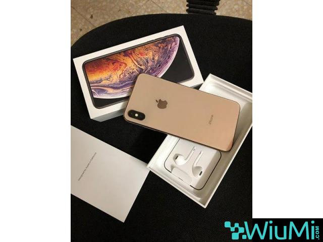 Apple iPhone Xs Max/Galaxy Note 9/Playstation 4 Pro - 1/4